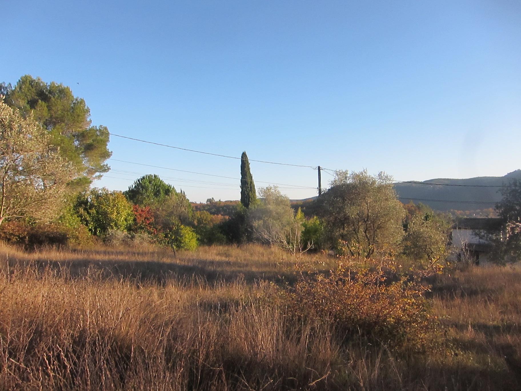Bagnols en foret, sublime terrain 1200 m²