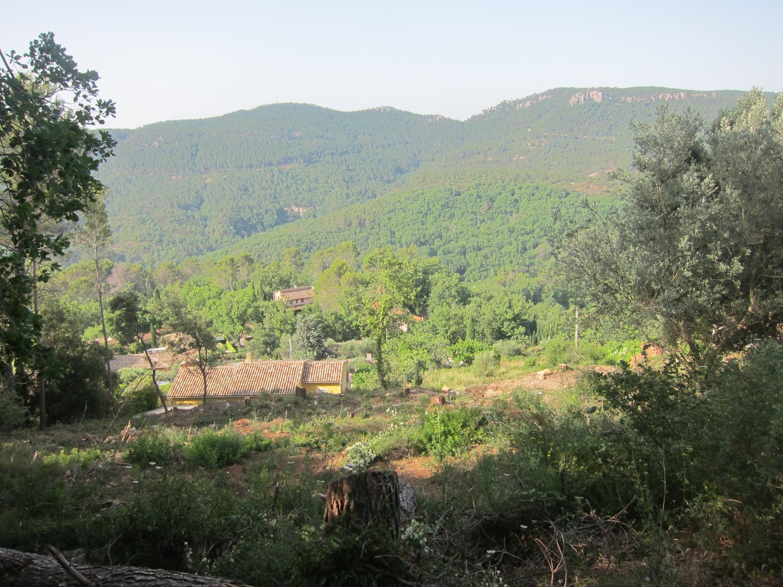Bagnols en Foret, terrain à vendre 1200 m²